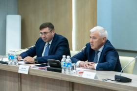Брифинг Анатолия Аксакова и Сергея Швецова. Весенняя сессия конкурса «Рублевая зона» 2021